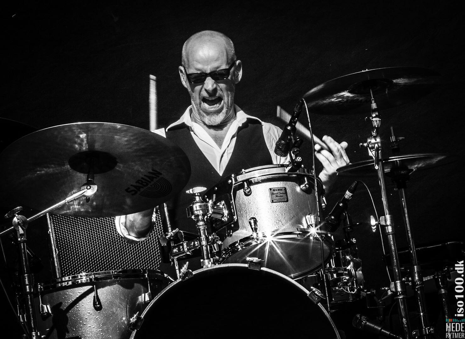 Lars Bertelsen - trommeslager I the BOWIE tribute